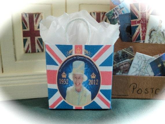 DOLLS HOUSE MINIATURES - 1/12th Royal Diamond Jubilee Shopping Bag