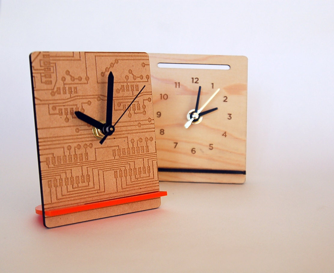 Wooden desk clock imgkid the image kid has it