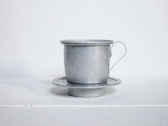Single cup coffee: A French cup of coffee