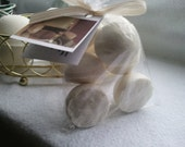 14 bath bombs in Oatmeal, Milk & Honey fragrance gift bag bath fizzies, great for kids...these smell delicious