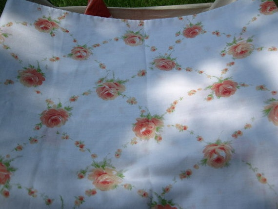 Vintage Standard Pillowcase Shabby Chic with Peach Colored Rose Pattern