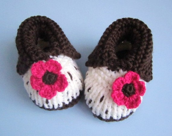 Hot Pink Daisy Baby Booties - Sizes 9-12 mos