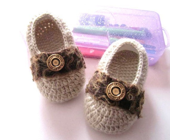 Light Khaki Wool Buttoned Crochet Baby Booties - 4 Sizes
