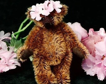 Artist Teddy Bear PDF Sewing Pattern - Gwennie