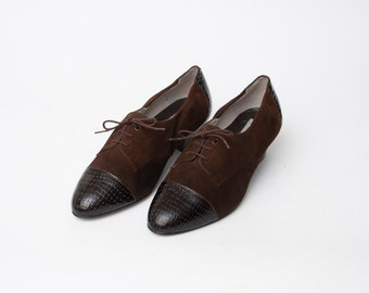 Size 7.5 or 8  Brown Oxfords Shoes laced up Dead Stock Vintage