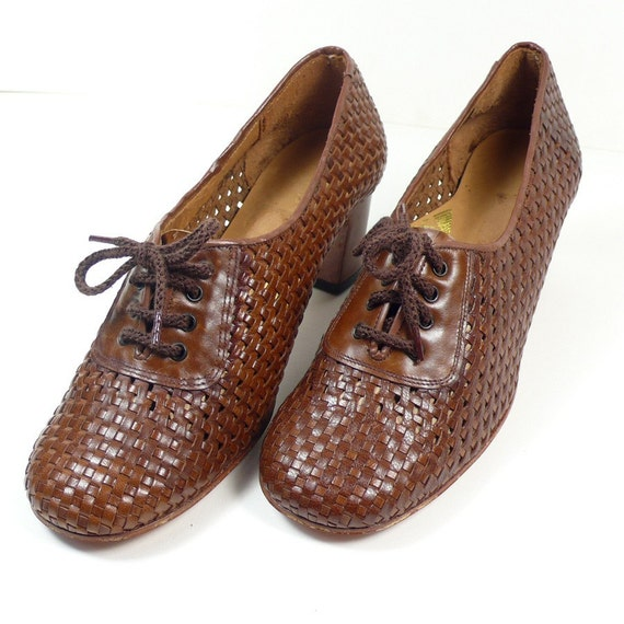 Size 6  Lace up Woven leather high heels Brown 60s Shoes NOS vintage