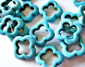 5 20mm Dyed Howlite Turquoise Flower Shaped Bead Frames B602-5