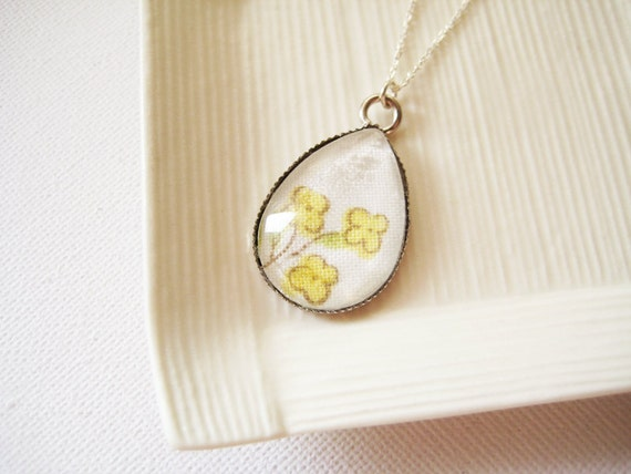 OOAK Silver plated long necklace with glass raindrop yellow floral pendant - Three little flowers
