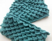 Crocodile Stitch Oil Green with hats and neck warmer- cowl-Chunky Oil Green hat- Aqua-with hats and neck warmer-for 1 hat and 1 neck warmer.