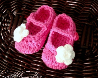 Hot pink Mary Jane Crochet Baby Girl Booties --- 0-3 months
