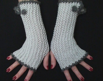 Fingerless Gloves Light Silver Grey Ribbed Wrist Warmers  in Natural Wool and Acrylic