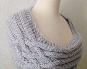 Capelet/ Shoulder Warmer Handknit Light Grey