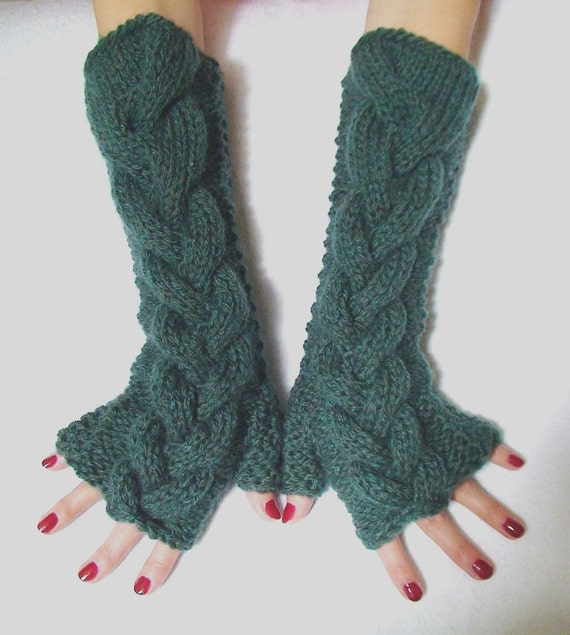 Fingerless Gloves Khaki Green Extra Warm Chunky in Natural Wool Oversize Comfortable