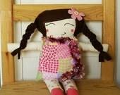 Yasmine Doll Pink Garden Feather Boa Brown Hair