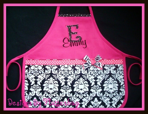 PERSONALIZED Girls Apron -Childs Play Apron - Cooking Apron- Appliqued Initial and name in Fushia and Black Damask