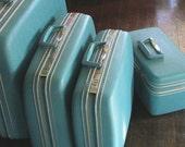Baby Blue Vintage Luggage set, pristine condition