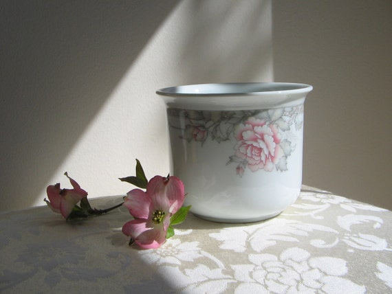Vintage Flower Pot Planter Cache Pot Porcelain White Pink Peonies Flowers by FTD Japan