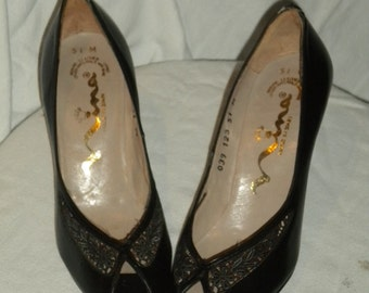Vintage 60s Nina Peep Toe Pumps in Black With Cutouts, Size 5 1/2 M