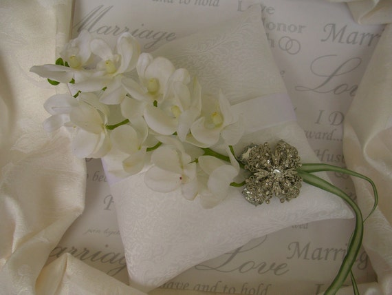 Ring Bearer Pillow... Elegance and Sparkle