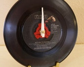 Elvis Presley 45rpm record desk clock