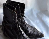 black pointy-toed witch boots