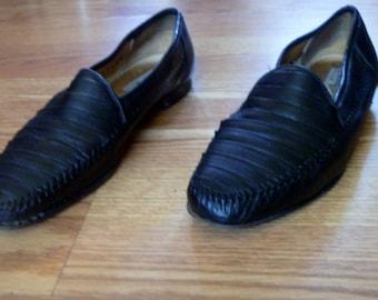 Vintage 1960's Designer Collection Michael's Shoes Black Leather Slip-On Loafer Sandals Size 9 1/2  M