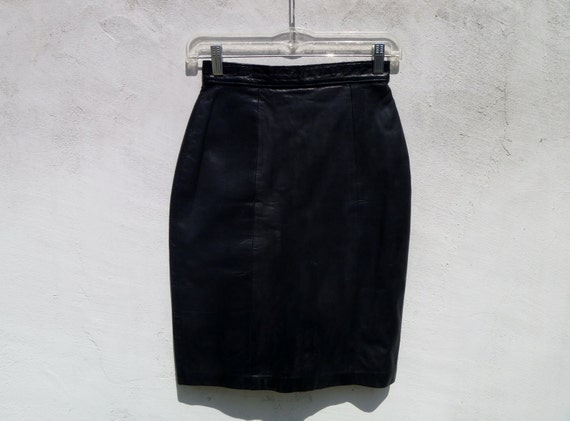 Vintage 90's High-Waisted Black Leather Pencil Skirt by Linea Privata Size 0 Extra Small