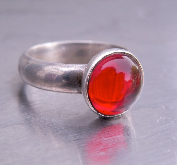 Modernist Sterling Silver Ring Red Glass Stone Vintage Abstract Size 7