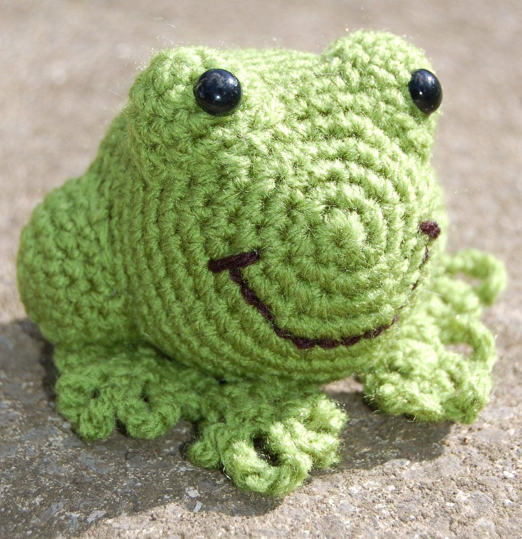Amigurumi Crochet Frog : Chandeliers & Pendant Lights