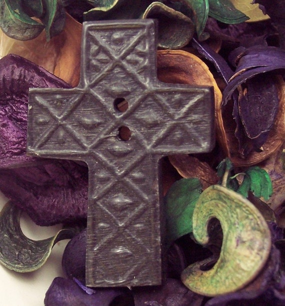 Fashion Button Ancient Cross Carved Horn Sewing Knitting Crochet Crafts