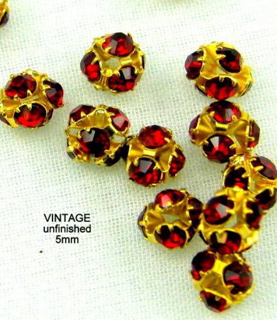 Vintage Swarovski 5mm Rhinestone Beads Siam Red (12)