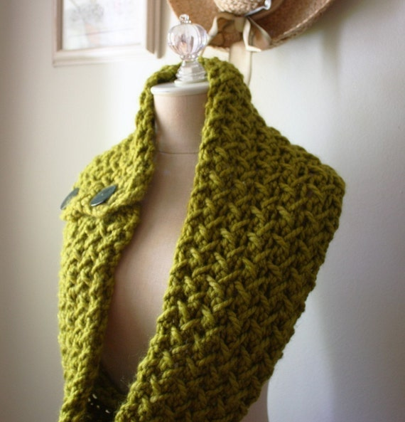 Knitting Pattern / Cowl Scarf / Chunky Oversized Textured