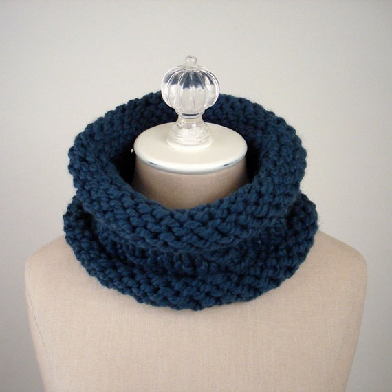 Knitting Pattern / Chunky Textured Cowl Mariner by phydeauxdesigns