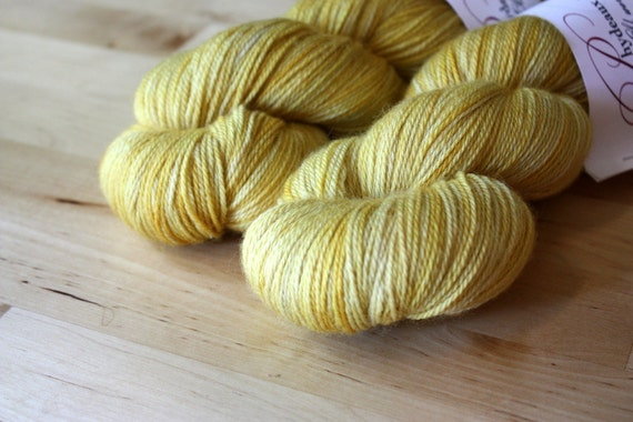 Hand Dyed Yarn / Pale Gold Butter Fingering Weight BFL Cashmere Silk