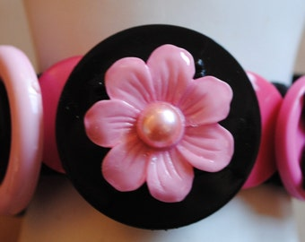 Girly Button Bracelet/Charm Bracelet/Gift For Her/Black/Pink/OOAK /Expandable/Under 30 USD