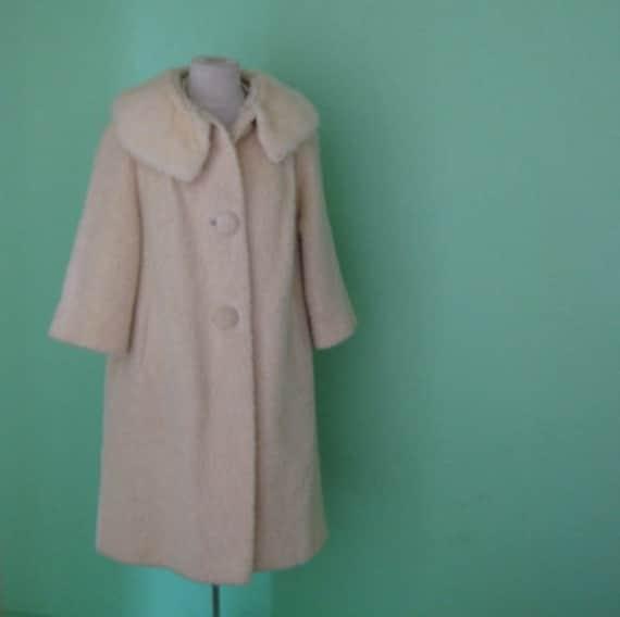 EVERYTHING 15 SALE 60s jacket - peter pan collar coat - size large