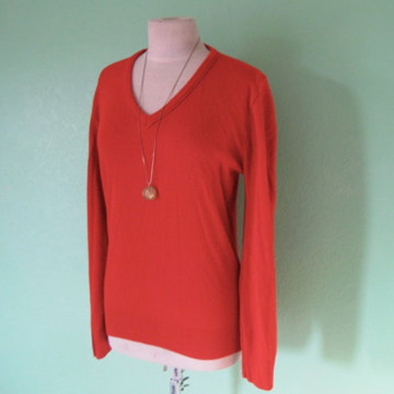 EVERYTHING TEN SALE vintage cherry red v neck sweater M