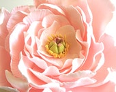 Edible Sugar Flower -MEDIUM open bloom- with Fully Edible Realistic Center. CUSTOM COLOR