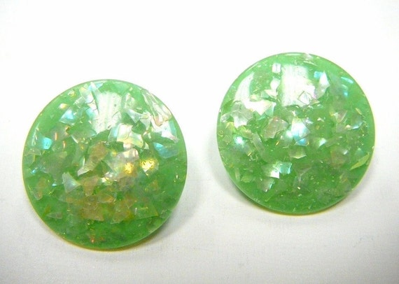 Vintage Lime or Seafoam Green Confetti Lucite Clip On Earrings Round Disc
