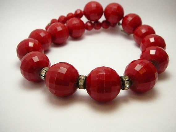 Vintage Red Bead Necklace with Rhinestones