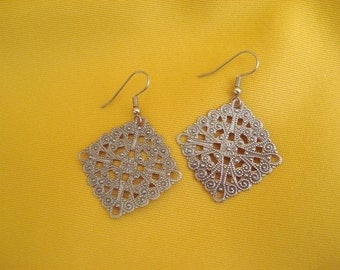 Did you say you want big silver earrings (Style #247)