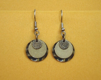 Gold round casual earrings (Style #319)