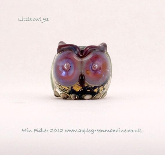 Little glass owl bead 91