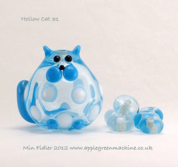 Baby Blue Hollow cat bead