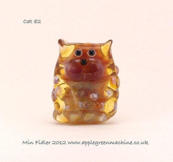 Transparent glass cat bead
