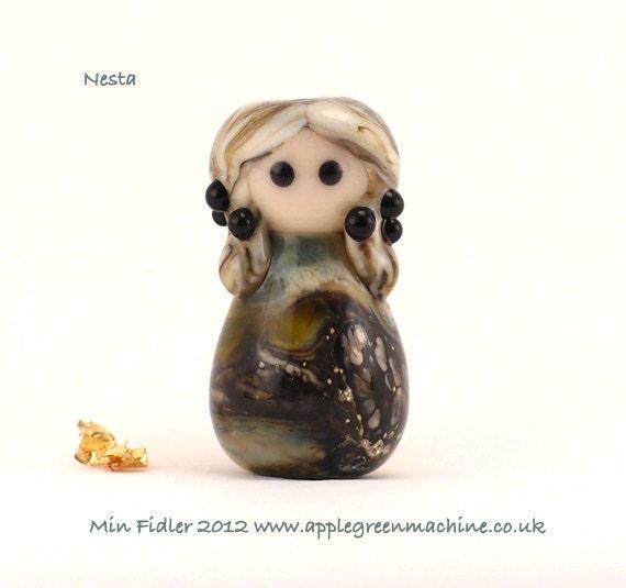 Lampwork glass doll bead 'Nesta'