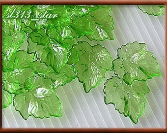 30pcs of Acrylic Leaf Beads, Icy Green