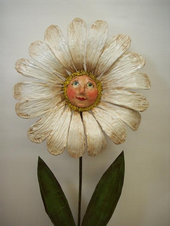 Primitive Folk Art Daisy Art Doll Container