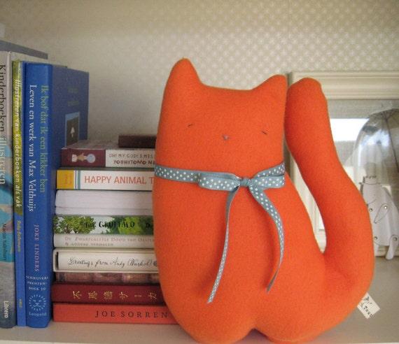 Meet Rupert the Red Cat, he loves to read.