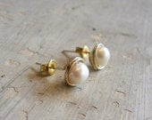 Gold Filled Stud Earring, Wire Wrapped White Freshwater Pearl Posts,Natural Pearl Earring, Bridal Earrings,Stud Earrings Pearls, Real Pearls